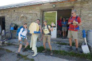 Käseherstellung auf der Tour du Mont Blanc Trekking