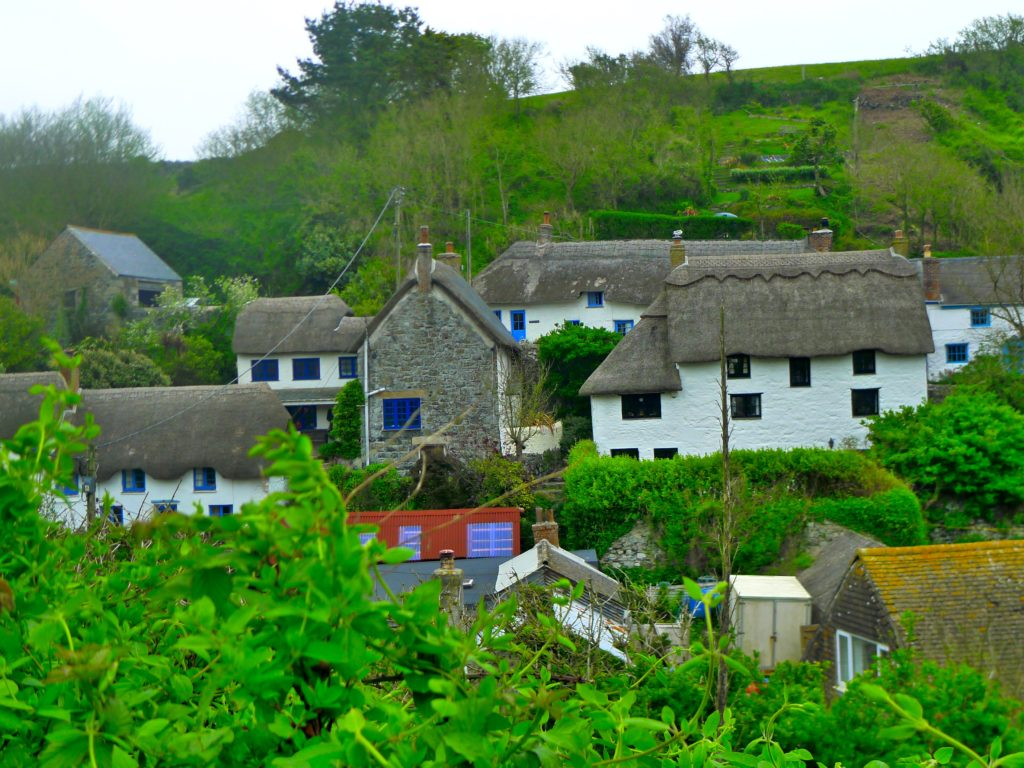 a beautiful village on the coast in Cornwall on our hike