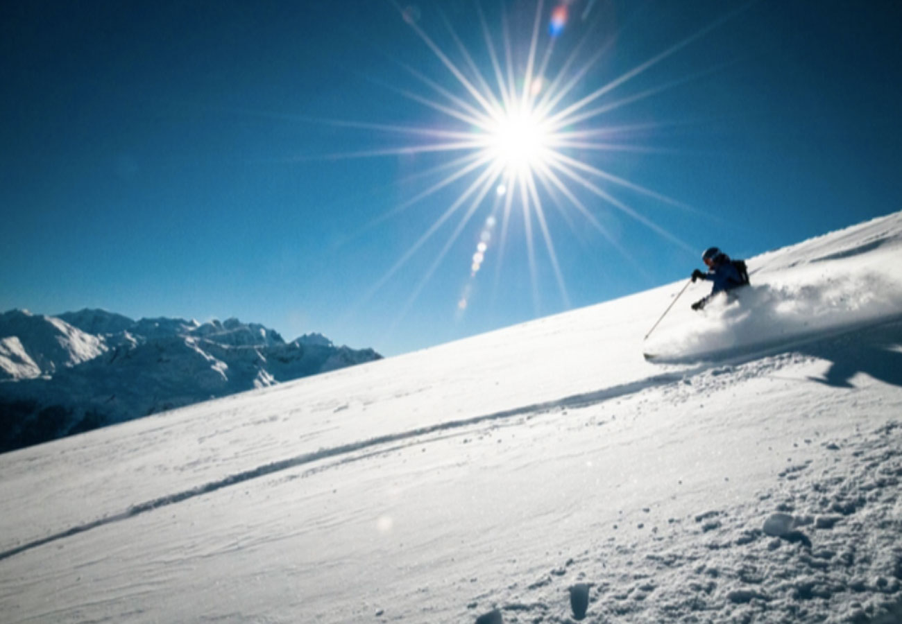 Women's freeride ski camp in Chamonix with Patagonia Tiptop