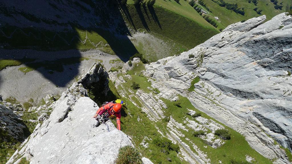 Paragoniatiptop ridge climbing