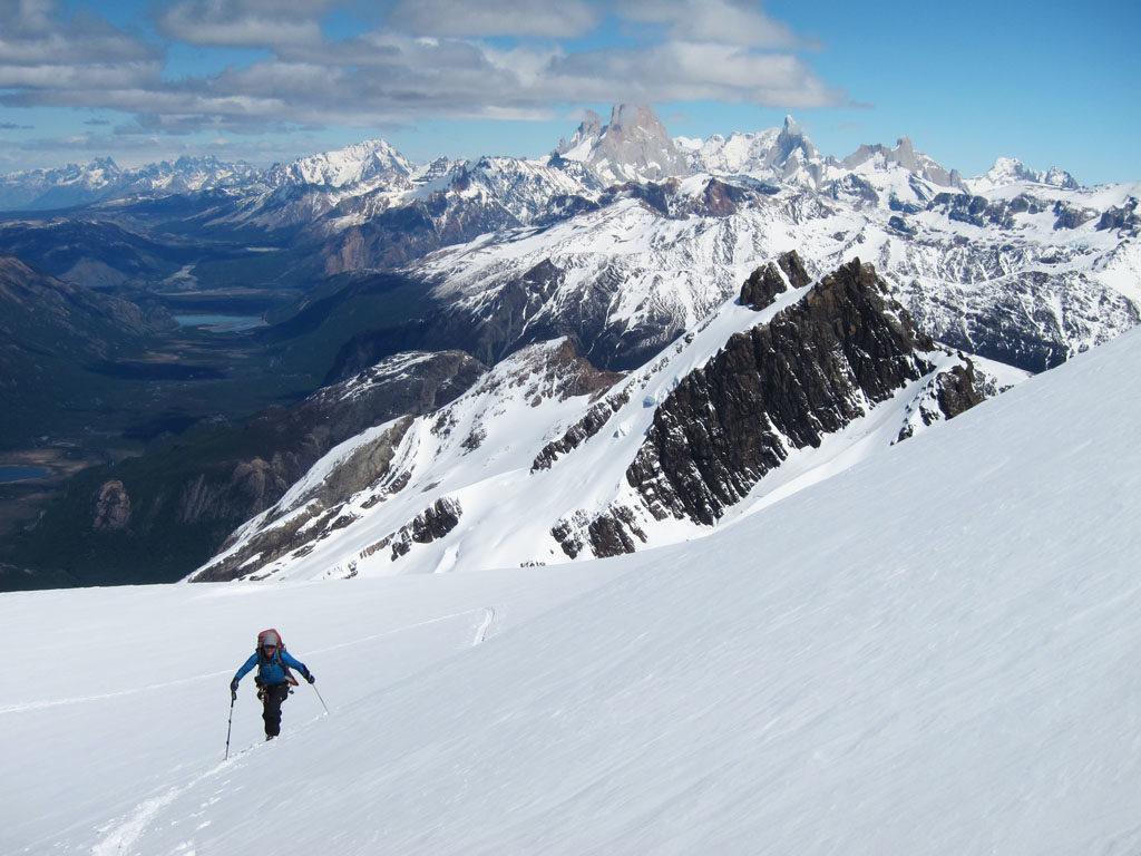 Patagoniatiptop ski mountaineering