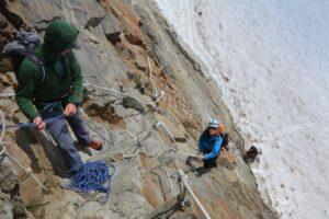 chamonix-day-climbing-mountainearing